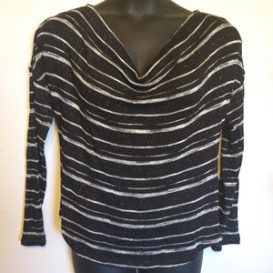 Black & White Sweater Drape Neck Light weight sz L